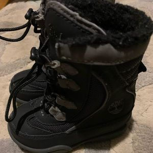 Timberland winter boots size 5.5 toddler.